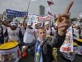 Rumunsko sa opäť búri: FOTO Tisíce zamestnancov protestovali proti plánu zvýšiť sociálne odvody