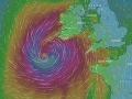 Mimoriadna situácia v Írsku: Ostrov zasiahol hurikán Ophelia, hlásia dve obete!