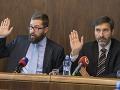 Na snímke vľavo predseda Výboru NR SR pre nezlučiteľnosť funkcií Martin Poliačik (SaS) a vpravo podpredseda výboru Juraj Blanár (SMER-SD) počas zasadnutia Výboru NR SR pre nezlučiteľnosť funkcií 18. októbra 2017 v Bratislave.