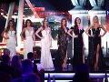 Finalistky Miss Universe SR vo večerných róbach.