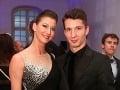 Tanečný partner Silvie Lakatošovej z Let's Dance David Schavel prišiel na finále Miss Universe SR v sprievode partnerky.