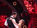 Braňo Deák a Dominika Rošková ako druhý tanec večera predviedli tango argentino.