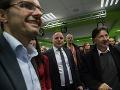 Zľava v popredí: Podpredseda strany SaS Ľubomír Galko, kandidát na post predsedu BSK Juraj Droba (uprostred) a poslanec NR SR za hnutie OĽaNO-NOVA Ján Budaj počas čakania na výsledky