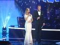 Herečka Nela Pocisková ukázala na pódiu tehotenské bruško.