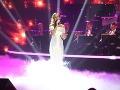 Nela Pocisková počas večera zaspievala pieseň od Mariky Gombitovej.