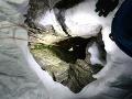 Päťdňová dráma v Alpách: Horolezec spadol do 30-metrovej pukliny, zázračná záchrana