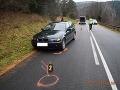 Vážna nehoda pri Gelnici: Chlapček (6) vstúpil na cestu, zrážka s luxusným BMW