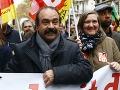 Francúzi sa búria: Zdvihla sa veľká vlna protestov proti Macronovým reformám