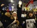 Rana pre poľskú demokraciu a EÚ: Senát odobril kontroverznú reformu, súd v rukách politikov
