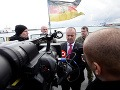 FOTO Gajdoš navštívil slovenských policajtov zasahujúcich proti pašovaniu ľudí: Je na nich hrdý