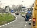 PRÁVE TERAZ Totálny dopravný kolaps: Šialená predvianočná situácia v Bratislave