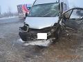 FOTO Vážnej nehody v Košiciach: Vodič dodávky prešiel do protismeru, došlo k čelnej zrážke
