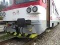 Tragédia v okrese Nitra: Osobný vlak zrazil ženu (†61), zraneniam na mieste podľahla