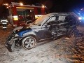 FOTO Tragická nehoda pri Zvolene: Vodič BMW (†40) dostal šmyk, čelná zrážka so smetiarmi