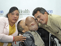 Emanuel Zayas s rodičmi