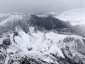 V Japonsku vybuchla sopka pri lyžiarskom stredisku: Najmenej 16 zranených, jeden mŕtvy