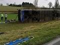 Zrážka školského autobusu s autom vo Francúzsku: VIDEO Nedalo sa tomu zabrániť, 27 ranených