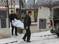 Ďalšie mŕtve telo v Bratislave: Pred domom v Petržalke našli mladého muža