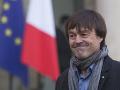 Francúzsky minister Hulot poprel obvinenia z obťažovania: Prestaňte, ničíte moju rodinu