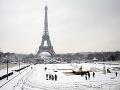 Ďalšia vlna sneženia vo Francúzsku: Na dva dni zatvorili Eiffelovu vežu