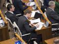 Armádne nákupy rozvášnili poslancov: Matovič hovorí o trestnoprávnej dohre