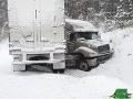V USA udrela zima v plnej sile: Tisícka zrušených letov, chaos  v doprave, 2 mŕtvi