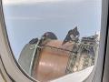 Najhoršie chvíle života zverejnil na VIDEu z lietadla: Erikovi pred očami odpadol kryt z motora