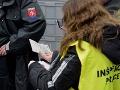 VIDEO Veľké policajné kontroly v Senici a v Nitre: 24 Srbov poputuje domov, pracovali načierno