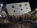 Nešťastie v Indii: FOTO Pád rozostavanej budovy si vyžiadal smrť najmenej troch robotníkov