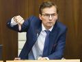 Galka čaká vysvetľovanie v Národnej rade: Plénum sa vráti ku kauze vojenských tajných