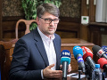 Koaliční poslanci chápu Maďaričovo rozhodnutie odísť z funkcie