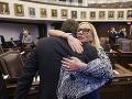 Floridský Senát prijal zákon zavádzajúci obmedzenia v oblasti zbraní: Reakcia na masaker na škole