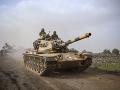 USA pozastavili pozemné operácie proti Daeš vo východnej Sýrii: Dôvodom sú Kurdi