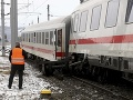 Nehoda na slovenských železniciach: Pod Zvolenským zámkom sa vykoľajil vlak
