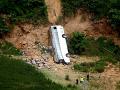 Obrovské nešťastie v Thajsku: Autobus sa zrútil z cesty, 18 mŕtvych a 33 zranených