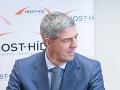 Šéf európskych ľudovcov rokoval s Mostom-Híd: Vraj ho pochválil, Hlina tvrdí, že Bugár klame