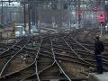 Francúzsko opäť paralyzuje štrajk v železničnej doprave: Cestujúci sú bezmocní