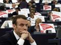 Nelichotivé výsledky prieskumu: Macronova politika sa nepáči viac ako polovici Francúzov