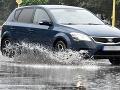 Meteorológovia varujú pred povodňami: Tieto okresy sú v ohrození, výstraha pred dažďom