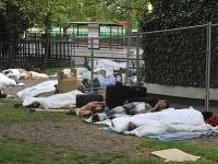 Rómom nerobí problém rozložiť si periny uprostred parku