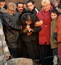 Ivkova mama na pohrebe skolabovala. 20.12.2007 08:58