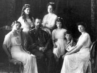 Posledný ruský cár Mikuláš II. s rodinou