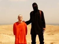 Novinár James Foley a člen Islamského štátu