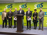 Richard Sulík a členovia SaS