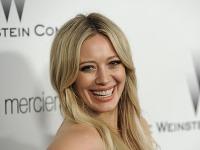 Hilary Duff sa s priateľom hudobným producentom Matthewom Komom rozišla.