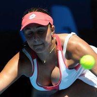 U niektorých tenistiek ženské zbrane môžu byť väčšie ako tenisové. Tamira Paszeková