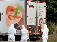 V kamióne zomrelo hroznou smrťou 71 migrantov.