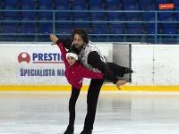 Marína Pastieriková (Máša) a Vladimír Futás (medveď)