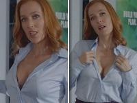 Gillian Anderson predviedla pred kamermi svoj sexepíl.