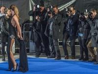 Millie Mackintosh na premiére filmu Zoolander No.2 poriadne zaskočila prítomných fotografov.
